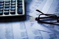 Formularze, kalkulator i okulary