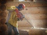 cięcie drewna aż wióry lecą
