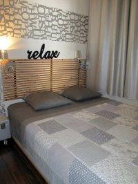 łóżko w pokoju dziecięcym