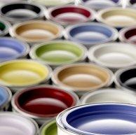 puszki z farbami