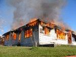 dom w płomieniach, pożar